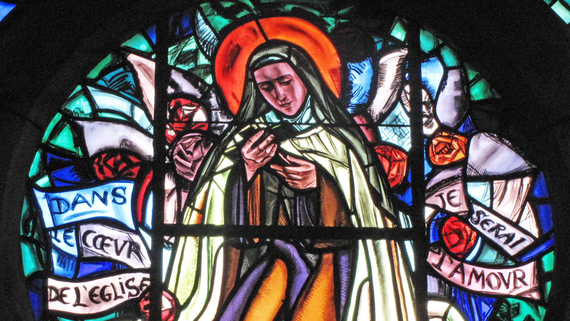 Détail de la rosace consacrée à Sainte-Thérèse